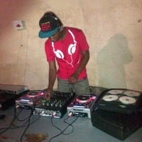 ‬‬Quarantine Stoned  lockdown Session   Vol  ( V ) Mixed By Skruff MusiqMaker (Lounge Mix) by Skruff MusiQmaker Moetsi
